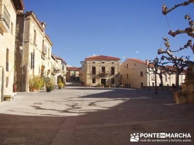 Plaza Santo Domingo de Silos; material de mochila; viajes de fin de semana desde madrid